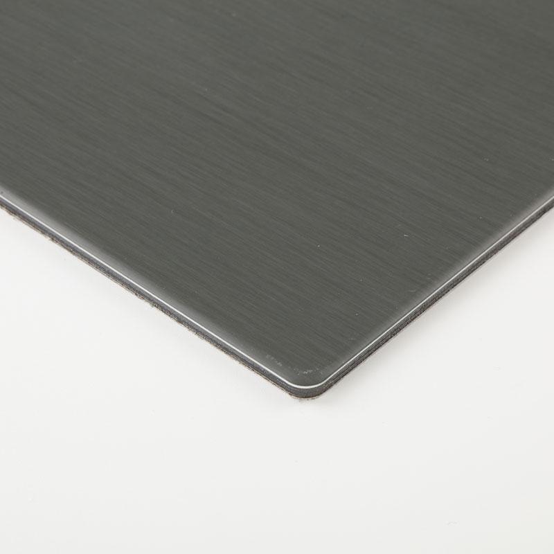 Panel compuesto de zinc y titanio